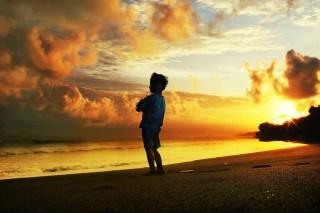 bambino tramonto